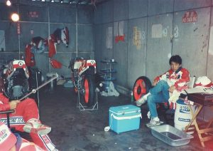 19860921-10-ヤマハ YZR250 奥村 裕
