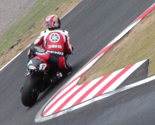 2003年4月5日 日本GP 鈴鹿サーキット シケイン MotoGPクラス #17 阿部典史(Norifumi ABE)