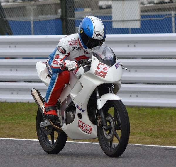 2014年11月30日 鈴鹿サーキット レジェンドライダー 岩崎勝